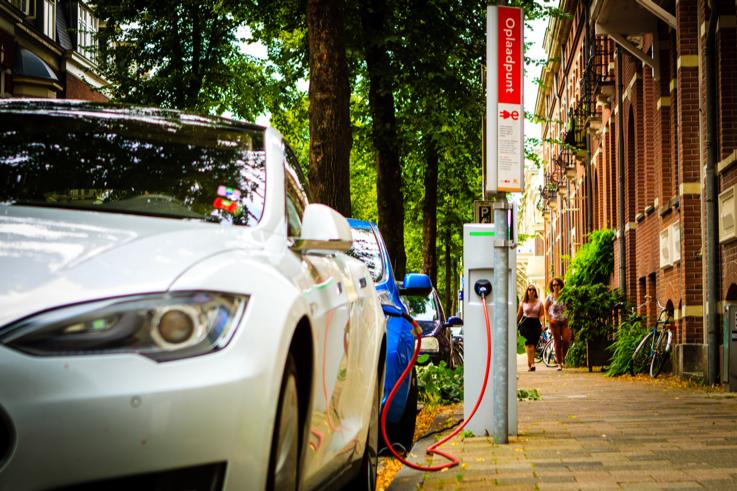Slim laden: goed voorbereid op 2 miljoen elektrische auto's in 2030